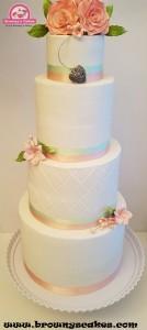 Bruiloft taart  blush bloemen - wedding cake